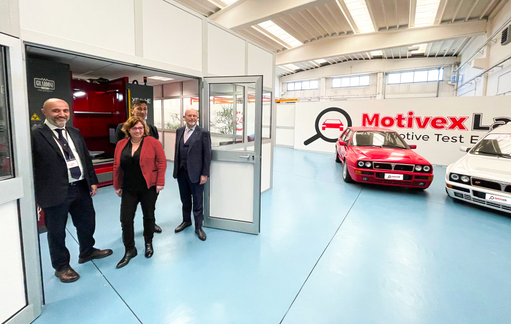 Foto di gruppo in MotivexLab: da sinistra Davide Baratto, Elisabetta Ruffino, Paolo Pollacino e Marco Gilardoni